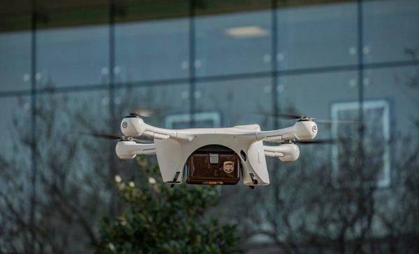 UPS încheie un parteneriat cu Matternet pentru transportul de probe medicale cu ajutorul dronelor