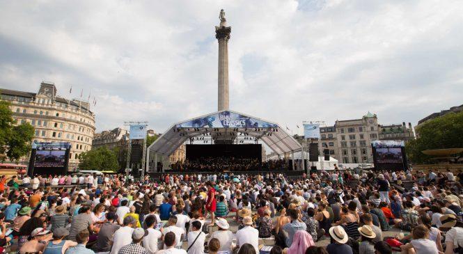 Spectacol la Londra: Sir Simon Rattle prezintă, la mijlocul verii, concertul în aer liber BMW CLASSICS din Trafalgar Square