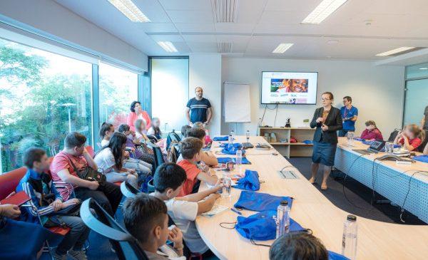 2Checkout susține Start Digital @Clasa a 4-a, un proiect AmCham Romania menit să promoveze nevoia de dezvoltare a competențelor digitale ale elevilor încă din clasele primare