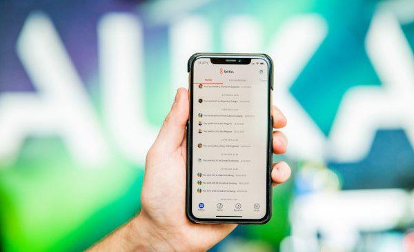 Auka anunţă planurile de lansare în România a aplicației de plată mobilă Settle