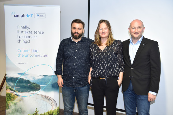 Dan Vlad (CEO Simple IoT), Emma Park (VP Europe Sigfox) si Silviu Neghina (Country Director Eastern