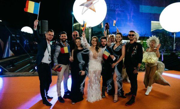 "Ester Peony a strălucit On ""THIS"" Sunday la Ceremonia de deschidere a Eurovision 2019"
