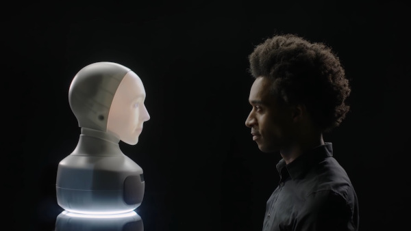 """Jurnalul de științe"""" prezintă robotul care ne va întâmpina la gară"""