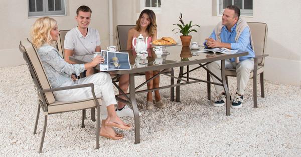 LEROY MERLIN lansează noua colecție de mobilier pentru grădină și balcon