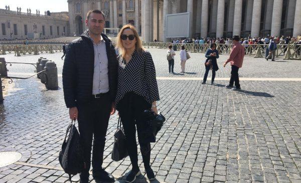 Românul care ia prânzul cu Papa Francisc la Vatican, în documentarul Irinei Păcurariu la TVR 1