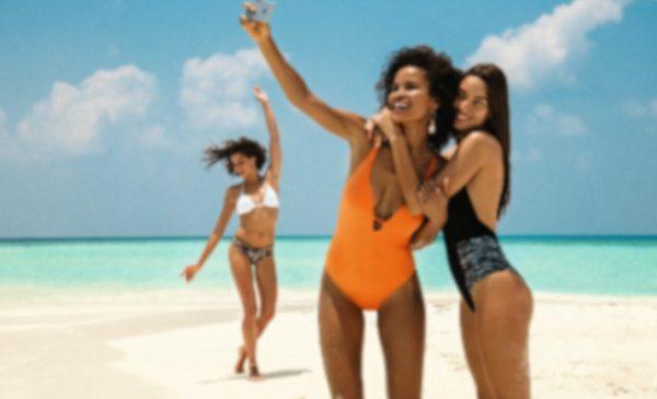 "Gama costumelor de baie Yamamay 2019: ""Eco Vibes"" în decor exotic"