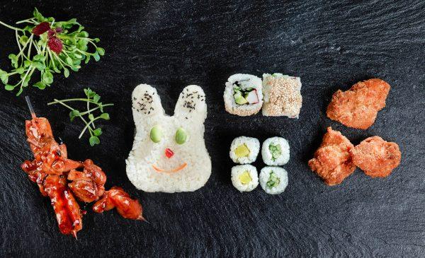 Prețul mediu al unui meniu pentru copii comandat online este de aproape 60 lei