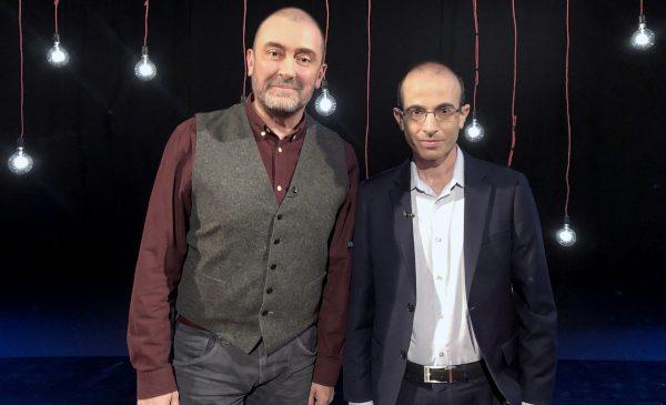Autorul cu cel mai mare succes la vânzări de carte, invitat Garantat 100%