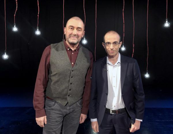 Cătălin Ştefănescu şi Yuval Noah Harari