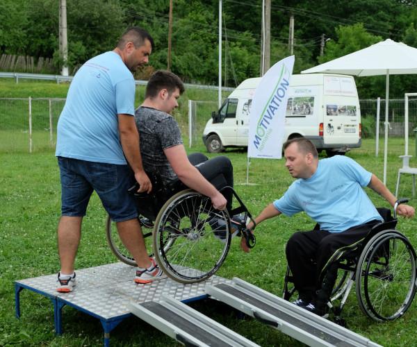Caravane pentru evaluarea sanatatii si prevenirea escarelor persoanelor in scaune rulante