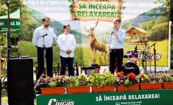 Ciucaș inaugurează în Brașov primul loc de relaxare din țară și îi readuce pe români în mijlocul naturii