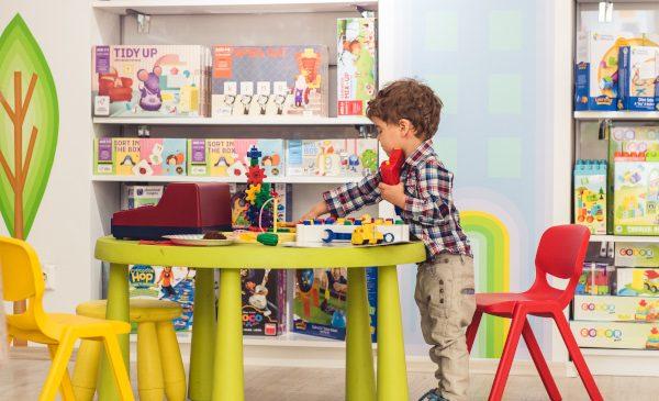 Sondaj EduClass.ro: Cât și cum se joacă copiii de astăzi
