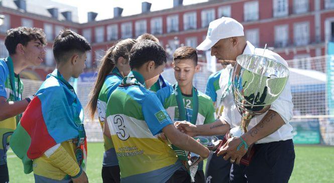Roberto Carlos a premiat câștigătorii Campionatului Mondial Fotbal pentru Prietenie 2019