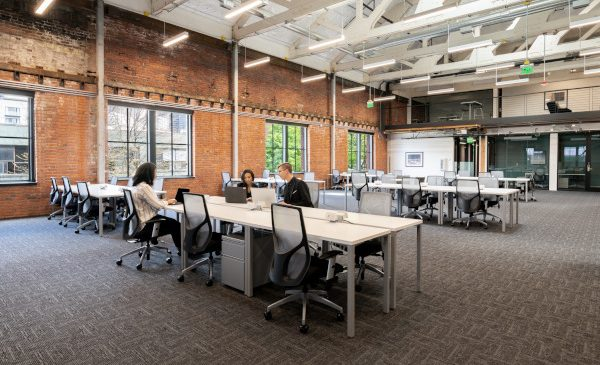 Studiu global arată că programul de lucru flexibil schimbă regulile în lupta companiilor pentru profesioniști