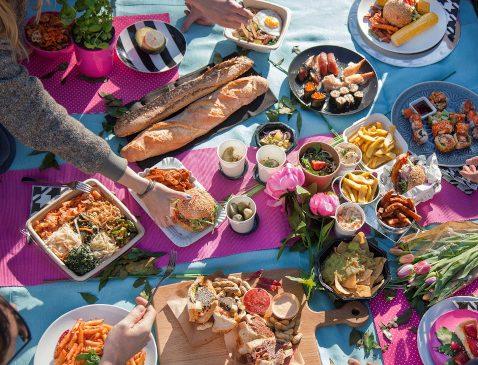 Știai că astăzi este Ziua Internațională a Picnicului? Iată zece preparate culinare pe care să le încerci cu această ocazie