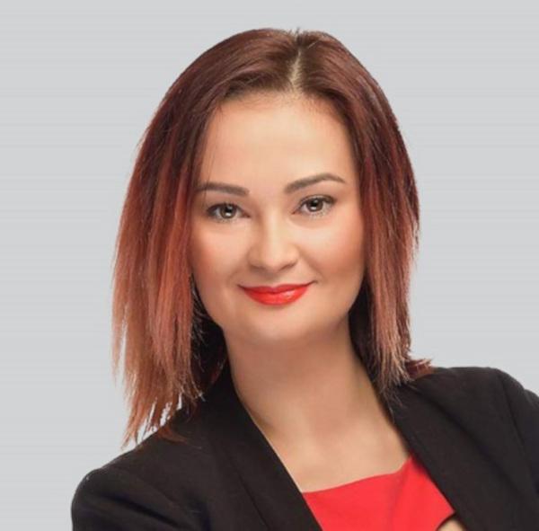 Alexandra Joldes, Broker/Owner RE/MAX Partners