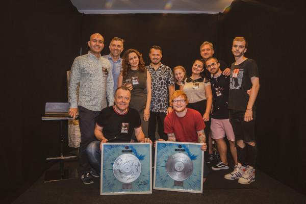 Ed Sheeran a primit discul de platina inaintea concertului de la Bucuresti