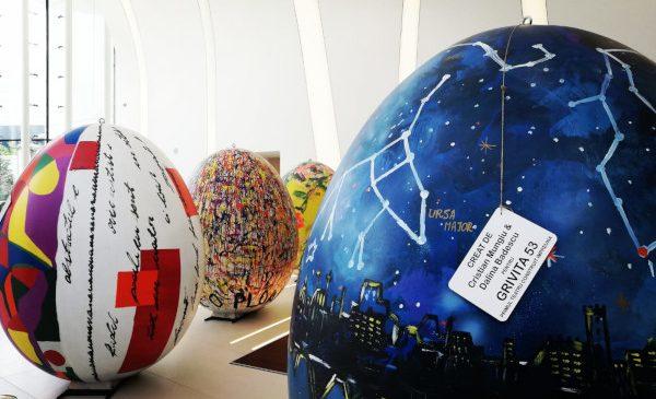 """Fundația Globalworth a achiziționat 4 lucrări de artă, în valoare de 20.000 de euro, în campania """"Ouăle Grivița 53"""""""