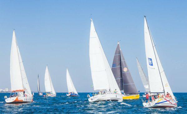 Peste 20 de companii de IT s-au aliniat la START-ul Regattei IT, singura competiție de sailing pentru pasionații de tehnologie