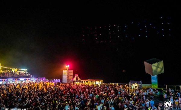 Premieră în România: Peroni Nastro Azzurro a surprins publicul Neversea cu primul show de drone realizat deasupra Mării Negre