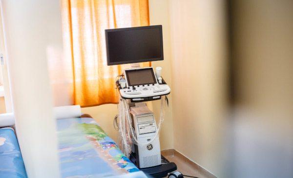MOL România și Fundația pentru Parteneriat au livrat Spitalului Județean de Urgență din Miercurea Ciuc echipamente medicale în valoare de 270.000 euro