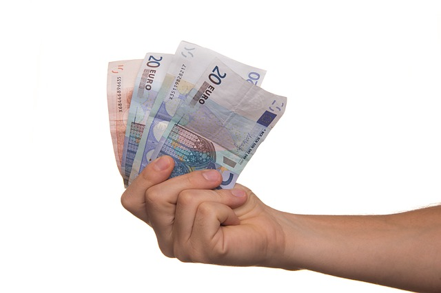 Solutii pentru a obtine bani rapid in caz de urgenta economica