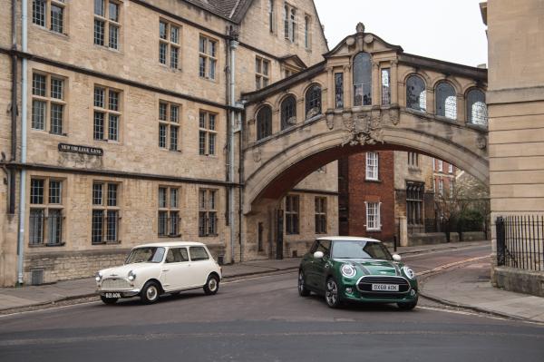 1959 Morris Mini-Minor and MINI Cooper 60 Years Edition 3 Door