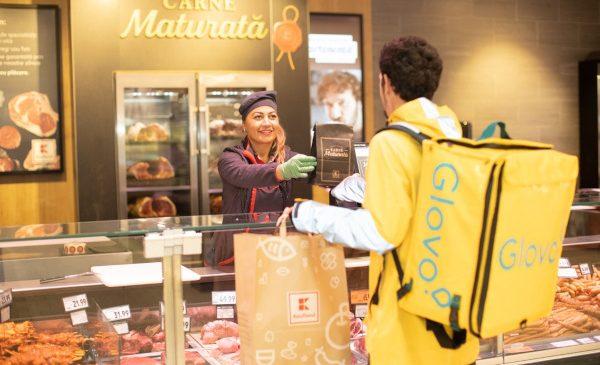 Kaufland România anunță în premieră serviciul de livrări rapide la domiciliu printr-un parteneriat cu Glovo