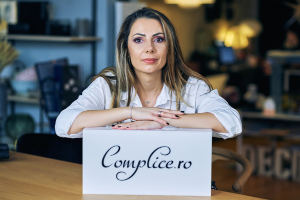 Oana Pascu, manager Complice.ro