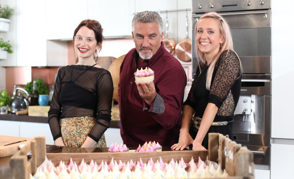 "Premieră la TV Paprika: seria ""Plăcinte și budinci""/""Paul Hollywood's Pies and Puds"", din 5 august"