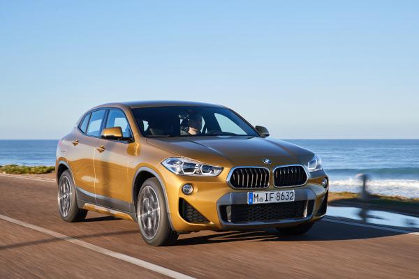 The new BMW X2. X2 xDrive20d, model M Sport X, Galvanic Gold