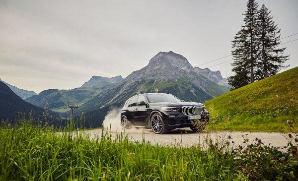 Noul BMW X5 xDrive45e pregătit de debut pe piaţa din România