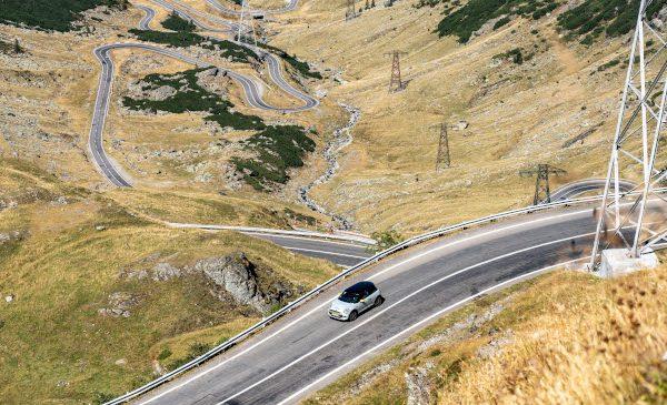 Transfăgărăşan găzduieşte un proiect de prezentare a noului MINI Cooper SE
