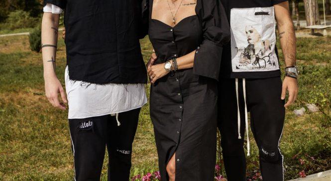 """Prezentatoarea emisiunii Cool Summer Nights de la Antena Stars, Maria Simion, a lansat o colecţie de haine inspirată din serialul fenomen """"Casa de Papel"""""""