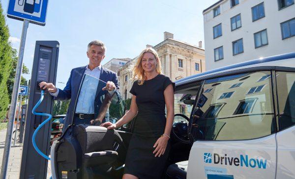 Angajament al Municipalităţii din München şi al BMW Group faţă de mobilitatea fără emisii: SHARE NOW îşi dublează flota electrică