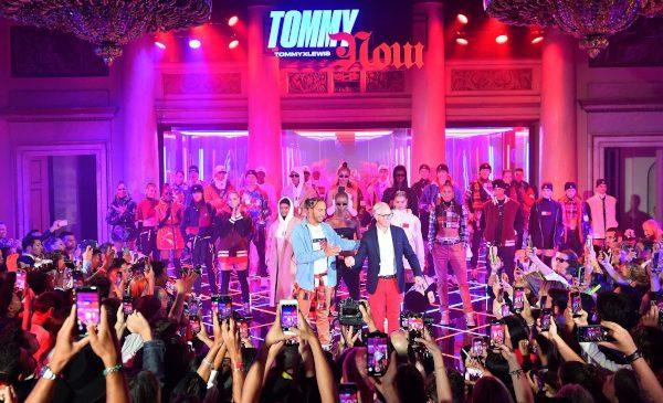Tommy Hilfiger și Lewis Hamilton prezintă colecția colaborativă TommyXLewis Toamnă 2019 în Milano