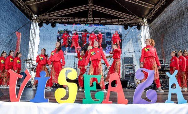 Peste 1000 de oameni au participat la concertul susținut de către Smiley la Dragonul Roșu