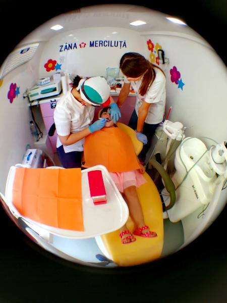 Zana Merciluta. Parteneriat KMG International - Asociatia Merci Charity