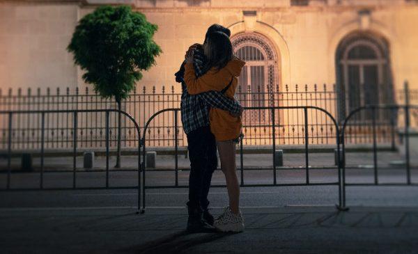 """Fanii hitului """"Strazile din Bucuresti"""" realizeaza un cover al piesei"""