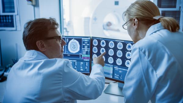 Aegon Diagnose.me: România este pe locul al doilea ca număr de solicitări pentru servicii de a doua opinie medicală, în Europa Centrală și de Est