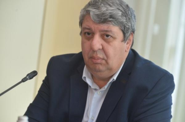 Dr. Alin Nicolescu, medic primar dermatovenerologie, Secretar General al Societăţii Române de Dermatoloie