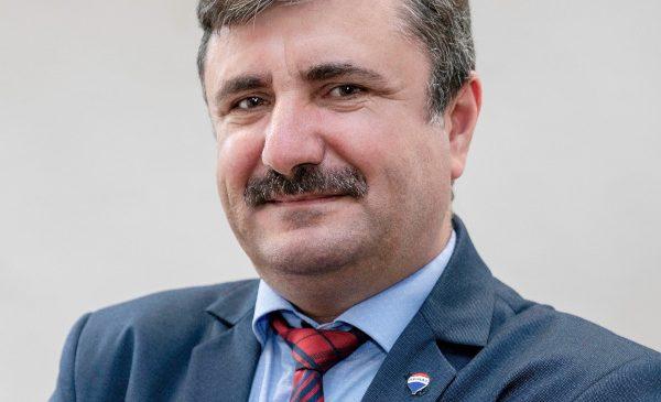 RE/MAX România deschide primul birou în Hunedoara, al doilea în Suceava și a 11-a franciză în București