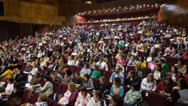 """Conferința """"Teatrul în Educație"""", sau despre cum teatrul poate revoluționa stilul de predare în România"""