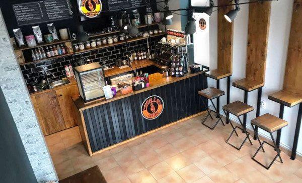 """Franciza """"Coffee 2 Go"""", 45 de cafenele până la finalul anului și o creștere cu 15% a veniturilor"""