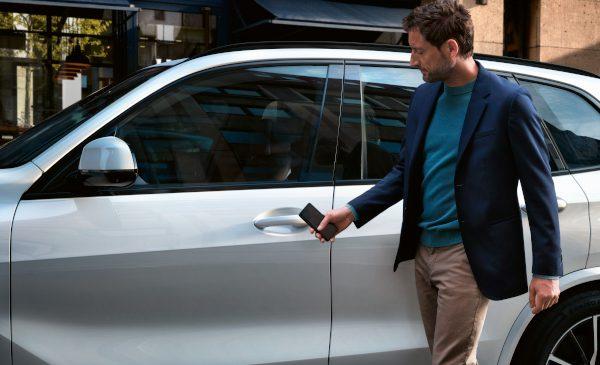 BMW Group lansează următoarea generaţie de chei digitale