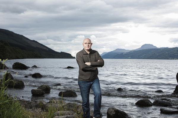 Dr. Gemmell, Monstrul din Loch Ness