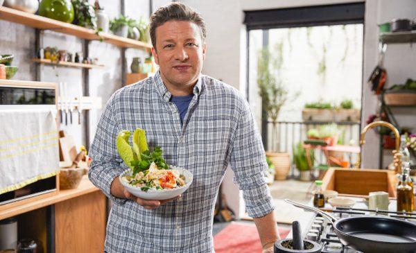 """Premiere în noiembrie la TV Paprika: """"Preparate vegetariene cu Jamie"""" și """"Martha Stewart: Lumea prăjiturilor"""""""