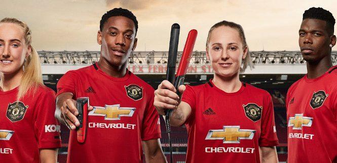 Noua colecție Remington Manchester United Edition te poate aduce mai aproape de sportivii preferați de la Manchester United
