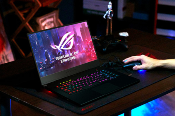 Republic of Gamers, laptopuri pentru jocuri la Bucharest Gaming Week