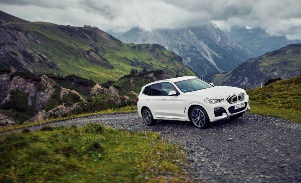 Un Sports Activity Vehicle de succes acum şi cu tren de rulare plug-in hybrid: noul BMW X3 xDrive30e